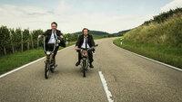 25 km/h Lars Eidinger als Christian und Bjarne Mädel als Georg SRF/2018 Sunny Side Up GmbH and Deutsche Columbia Pictures Filmproduktion GmbH