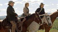 Zwei Cowboys und eine Lady: Boss Spearman (Robert Duvall, re.), Charley Waite (Kevin Costner) und Sue (Annette Bening), die Schwester von Doc Barlow.