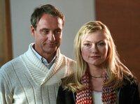 Der charmante Kai (Daniel Friedrich) weiss, wie er Leonie (Johanna Christine Gehlen) beeindrucken kann...