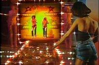 """Auch die zum Tanz animierenden Go-Go-Girls fanden im """"Musikladen"""" ein frühes Zuhause."""