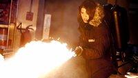 Kate Lloyd (Mary Elizabeth Winstead) muß sich zur Wehr setzen..