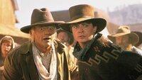 Marty (Michael J. Fox, r.) reist in das Jahr 1885, um seinen Freund Doc Brown (Christopher Lloyd) zu retten. Doch der Doc hat sich verliebt und denkt gar nicht daran, zurück in die Zukunft zu reisen!