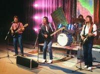 """WDR Fernsehen GENERATION POP! , """"Sanftes & Samtcord"""", Von Walter Filz, am Samstag (17.04.10) um 23:55 Uhr. Die Gruppe """"Smokie"""" mit Leadsänger Chris Norman (Mitte) bereicherte so manche Fete der Jugendlichen in den 70er Jahren."""