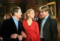 Ende gut, alles gut: Felice (Nina Proll) freut sich mit Ottensen (Freddy Quinn, links) und Kurt (Pierre Besson) über ihren Triumph.