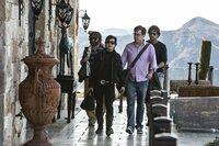 Gehen Leslie Chow (Ken Jeong, 2.v.l.) gehörig auf den Leim: (v.l.n.r.) Alan (Zach Galifianakis), Stu (Ed Helms) und Phil (Bradley Cooper) ...