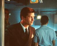 Nur CIA-Agent Jack Ryan (Alec Baldwin) glaubt, dass es sich bei Ramius um einen Überläufer handelt. Er geht an Bord des U-Boots und nimmt Kontakt mit Ramius auf ...