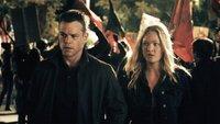 Jason Bourne (Matt Damon), Nicky (Julia Stiles).