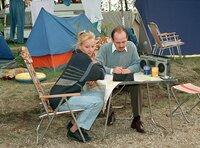 Auf dem Campingplatz an der Donau bei Budapest. Renate Reimann (Susanne Lothar) und Manfred Reimann (Ulrich Mühe) planen ihre Flucht.