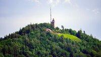 Auf den bekanntesten Berg Baden-Badens, den Merkur oder Großer Staufenberg führt Deutschlands längste städtische Standseilbahn.