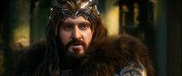 Wird die Gier, welche von der Drachenkrankheit hervorgerufen wird, das Urteilsvermögen des Zwergenkönigs Thorin (Richard Armitage) beeinflussen und nicht nur seine Freundschaft zu Bilbo aufs Spiel setzen?