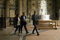 Felicity Jones (Dr. Sienna Brooks), Tom Hanks (Robert Langdon), Omar Sy (Christoph Bouchard).