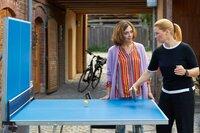 Im Streit mit Christina (Julia Richter, l.) muss Ella (Annette Frier, r.) sich erst mal mit Tischtennis abreagieren.