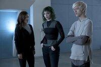 L-R:  Heather (Chelle Ramos), Lorna Dane (Emma Dumont), Andy Strucker (Percy Hynes White)