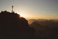 Sonnenaufgang am Gipfel.