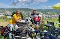 In Weil am Rhein, ist Annette Krause mit einem Millionär verabredet: Ein Kilometer-Millionär auf dem Fahrrad, Armando Basile.