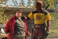 Russell (Julian Dennison, l.); Deadpool (Ryan Reynolds, r.)