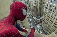 Das Leben als Spider-Man ist für Peter Parker (Andrew Garfield) alles andere als einfach. Denn neben seiner großen Liebe Gwen und den vielen Aufgaben, die ein High School-Schüler zu tun hat, muss der Superheld auch noch das Böse bekämpfen ...