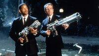 Agent J (Will Smith, li.) und Agent K (Tommy Lee Jones) sind erbarmungslose AlienjägerAgent J (Will Smith, li.) und Agent K (Tommy Lee Jones) sind erbarmungslose Alienjäger