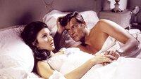 Solitaire (Jane Seymour), James Bond (Roger Moore)