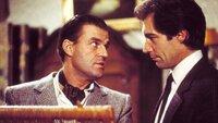 General Georgi Koskov (Jeroen Krabbé) befürchtet, dass ein Scharfschütze auf ihn angesetzt wurde. James Bond (Timothy Dalton, r.) wird angeheuert, um Koskov sicher zur Flucht zu verhelfen. Die Mission entwickelt sich jedoch in eine unerwartete Richtung...
