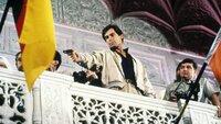Nach einigen tödlichen Angriffen soll James Bond (Timothy Dalton, M.) den KGB-General Georgi Koskov zur Flucht in den Westen verhelfen. Auf seiner gefährlichen Mission stößt er auf einige Unstimmigkeiten - wer spielt hier ein falsches Spiel?