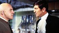 Ernst Stavro Blofeld (Telly Savalas, l.), James Bond (George Lazenby)