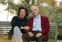 Wieder versöhnt: Lilo (Rita Russek) und der beste Freund ihres Mannes, Martin (Charles Brauer).