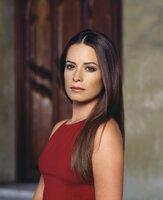(4. Staffel) - Piper (Holly Marie Combs) schwört allen Dämonen grausame Rache und wird dabei selbst zur Furie.