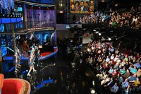 Stephen Colbert (l.)