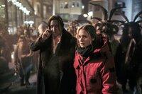Im Getümmel der Vorweihnachtszeit mit den traditionellen Krampus-Umzügen suchen Ellie Stocker (Julia Jentsch) und Gedeon Winter (Nicholas Ofczarek) nach einem Killer, der sein Gesicht hinter einer Krampus-Maske verbirgt.