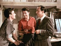 Jochen von Roth (Paul Klinger, rechts) schmiedet Pläne mit Ethelbert (Matthias Fuchs, links) und dessen Freund Ralf (Raidar Müller).