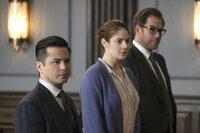 (v.l.n.r.) Benny Colón (Freddy Rodriguez); Laura Allen (Emily Tremaine); Jason Bull (Michael Weatherly)