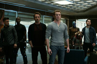 Avengers: Endgame Jeremy Renner als Arrow, Don Cheadle als War Machine, Robert Downey Jr. als Iron Man, Chris Evans als Captain America, Karen Gillan als Nebula, Paul Rudd als Ant-Man SRF/Marvel Studios 2019