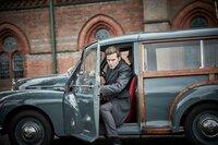 DS Endeavour Morse (Shaun Evans) ist auf dem Weg zu seinem nächsten Undercover-Einsatz an einer Jungenschule.