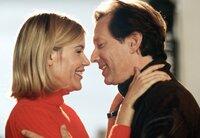 Friedrich Schrader (Stephan Schwarzt) lässt sich auf eine Affäre mit Doro (Gesche Tebbenhoff), der besten Freundin seiner Frau, ein.