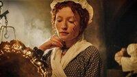Essie MacGowan (Emily Browning)