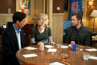 Community Staffel 3 Folge 4 Danny Pudi als Abed Nadir, Gillian Jacobs als Britta Perry, Joel McHale als Jeff Winger SRF/2009, 2010 Sony Pictures Television Inc.