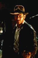 Indiana Jones (Harrison Ford) muss sich im alten Ägypten mit Tempelschlangen und ähnlichem herumschlagen ...