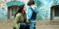 Foto: Oliver Feist / ZDF Franziska (Christine Neubauer;li) versucht ihren Sohn Felix (Milan Andreew;re) aufzumuntern.