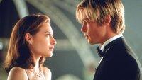 Die junge Susan Parrish (Claire Forlani, li.) hat sich in Joe Black (Brad Pitt) verliebt.