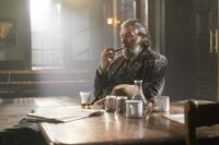 Fred Abberline (Clive Russell)