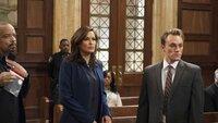 Die Detectives Odafin Tutuola (Ice-T, l.) und Olivia Benson (Mariska Hargitay) sind frustriert, denn wie es scheint, kommt der Triebtäter Jeremy Jones (Max Carpenter) straffrei davon...