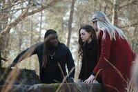 (v.l.n.r.) Kaleb Hawkins (Chris Lee); Hope Mikaelson (Danielle Rose Russell); Lizzie Saltzman (Jenny Boyd)