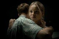 Schon wieder vorbei? Lucy (Lea Zoe Voss) verabschiedet sich mit gemischten Gefühlen von Max (Leonard Scheicher).