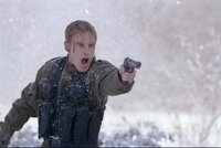 Abgestürzt hinter feindlichen Linien kämpft Lieutenant Burnett (Owen Wilson) um sein Leben.