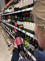 Die Auswahl an Weinen aus aller Welt ist fast unüberschaubar. Auch der genaue Blick aufs Etikett verrät nicht alles über die Anbaumethoden.