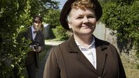 Mrs. Patmore (Lesley Nicol)
