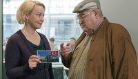 Paul Krüger (Horst Krause) lässt sich von Tochter Susanne (Floriane Daniel) zu einer Türkei-Reise überreden, um seine Enkelin Annie die Hochzeit mit Deniz aus Ankara auszureden.