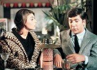 Ben (Dustin Hoffmann) ist nervös, als er im Hotel auf Mrs. Robinson (Anne Bancroft) trifft.