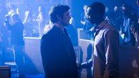 Nick Talman (Adam Brody) und Ronald Dacey (Edi Gathegi)